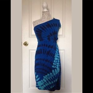 Pre Owned Donna Morgan One Shoulder Printed Dress